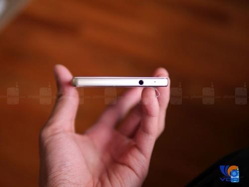 can-canh-dap-hop-smartphone-huawei-p8-mong-hon-ca-iphone-6-7