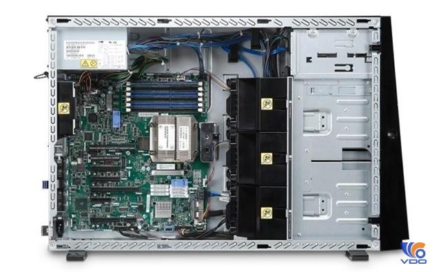 May-chu-he-thong-IBM-x3500-M4
