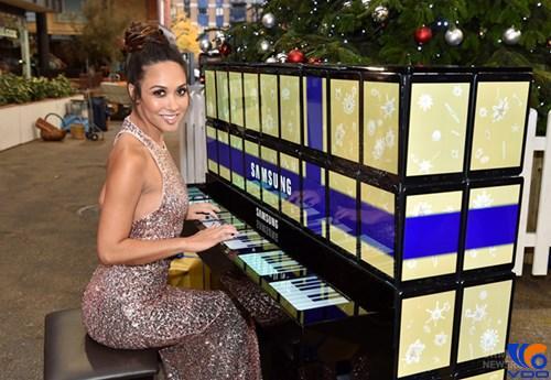 Đàn piano hàng độc trị giá 40.000 USD được làm từ 100 chiếc Galaxy Tab S2